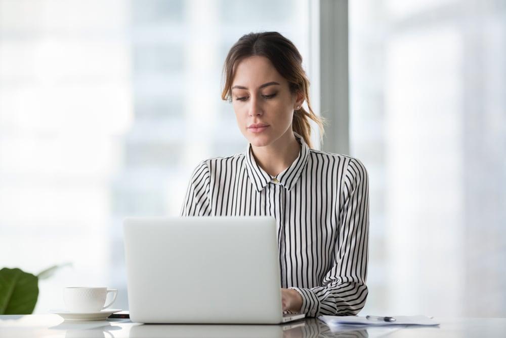 como conseguir um emprego como na internet